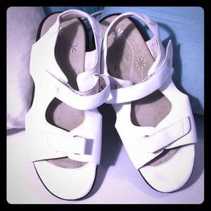 Propet white sandals with Velcro straps